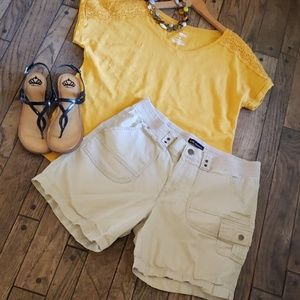Lee relaxed fit khaki shorts